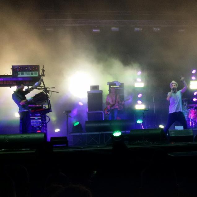 Subsonica durante il concerto al Festival di Majano