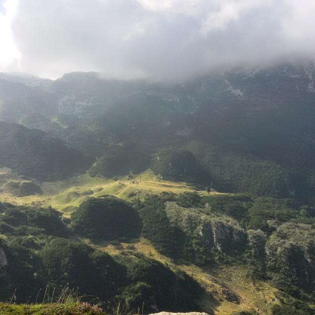 La nebbia aveva lasciato il posto ai raggi del sole che illuminava paesaggi splendidi