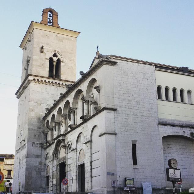 Una foto dell'esterno della cattedrale di Benevento