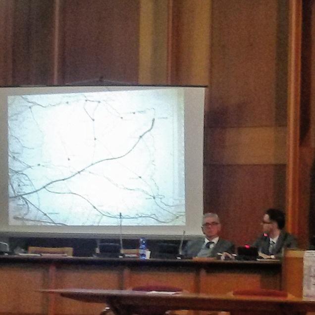 Il dott. Riccardo Cecovini (a dx) durante il suo intervento