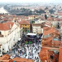 Vista sulla piazza e sul brenta dalla torre