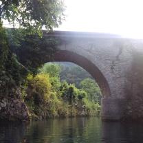Ponte visto dall'acqua