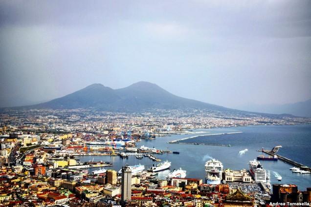 Napoli e Vesuvio visti dall'alto