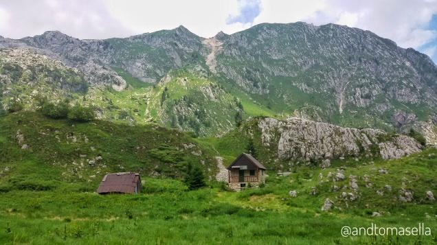 Un bivacco di montagna