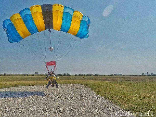 atterraggio paracadutismo
