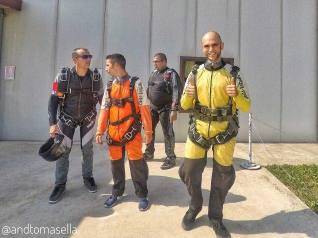 paracadutisti skydive venice
