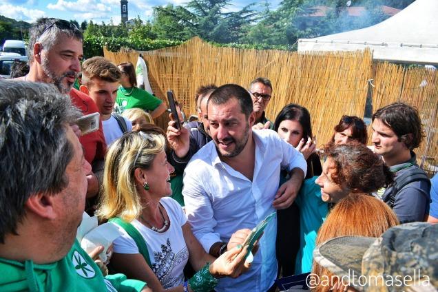 Matteo Salvini con il popolo della Lega pontida 2017