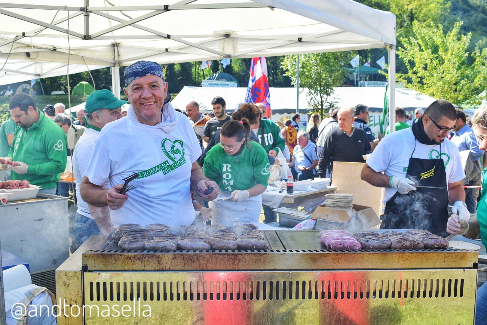 festa lega nord pontida salsicce barbecue