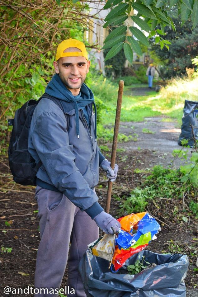 andrea tomasella partecipa a puliamo il mondo iniziativa di legambiente gorizia