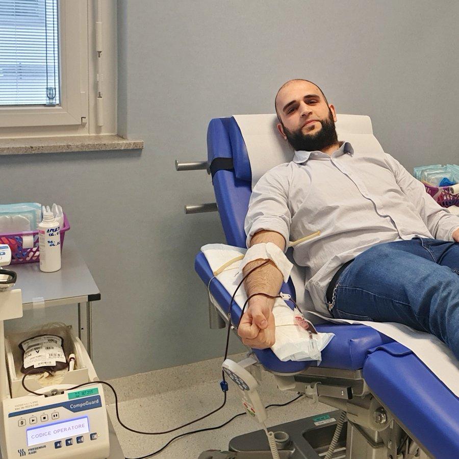consigliere comunale dona sangue per emergenza coronavirus